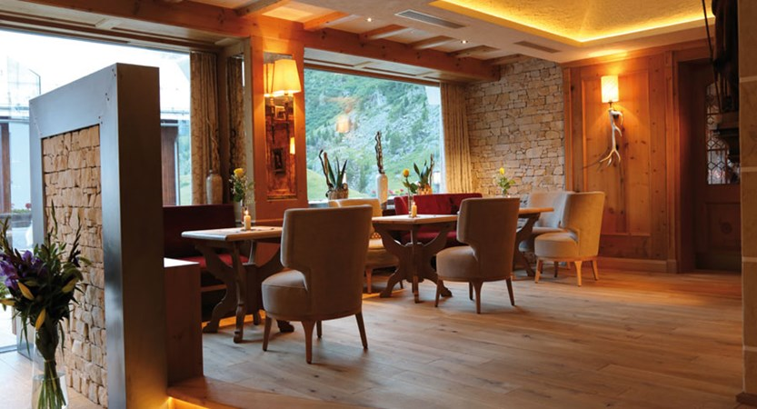 Hotel Wiesental, Obergurgl, Austria - lobby interior.jpg