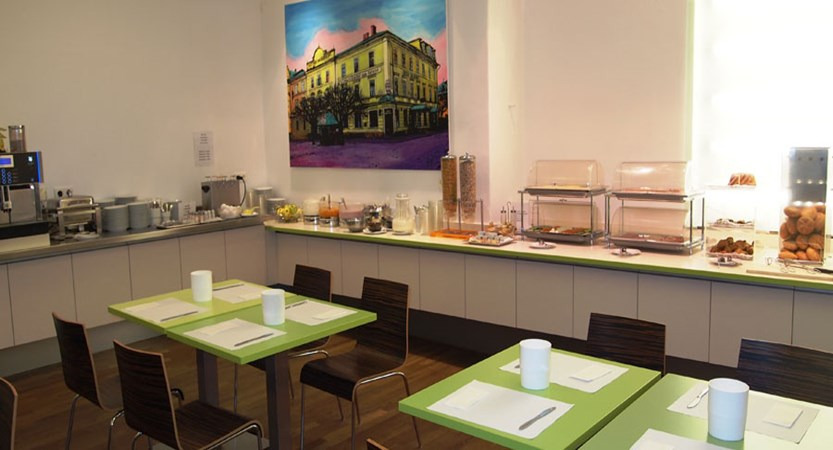 Hotel Hofwirt, Salzburg, Austria - breakfast buffet.jpg