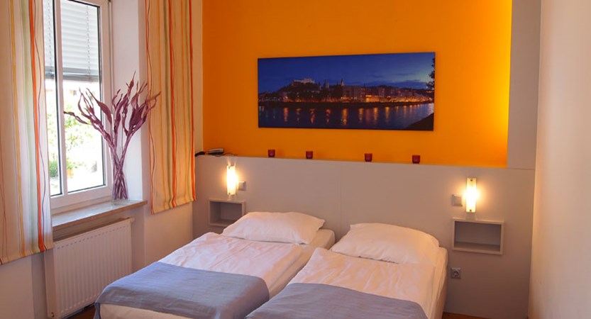 Hotel Hofwirt, Salzburg, Austria - double bedroom.jpg
