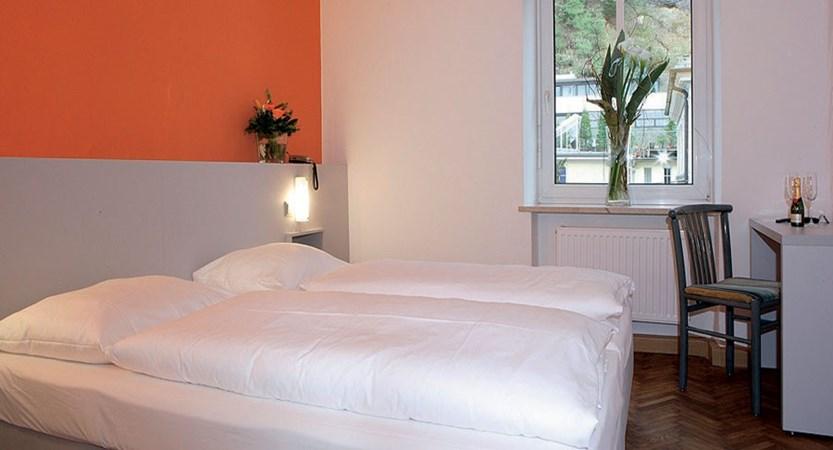 Hotel Hofwirt, Salzburg, Austria - twin bedroom.jpg
