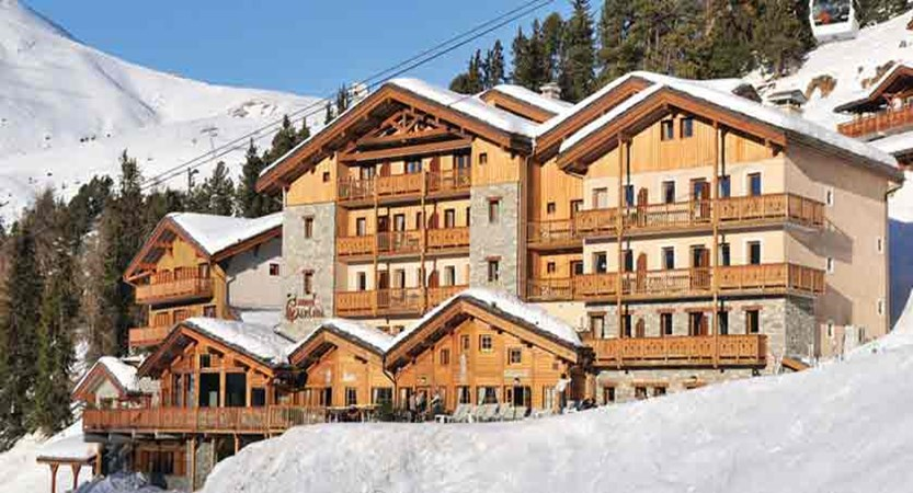 france_paradiski-ski-area_la-plagne_hotel_carline_exterior.jpg
