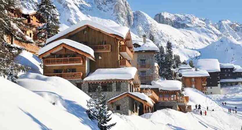 france_paradiski-ski-area_la-plagne_hotel_carline_exterior2.jpg