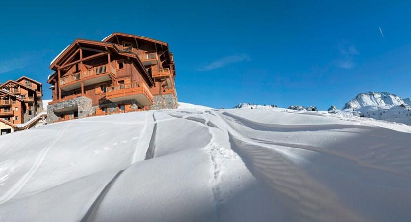 france_paradiski-ski-area_la-plagne_les_grange_du_soleil_apartments_blues_skies.jpg