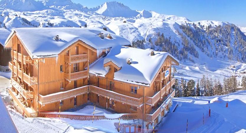 France_La-Plagne_Hotel-les-Balcons-Belle-Plagne_Exterior-snow.jpg