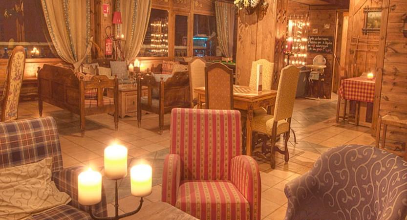 France_La-Plagne_Hotel-Des-Balcons-Belle-Plagne_Lounge-area2.jpg