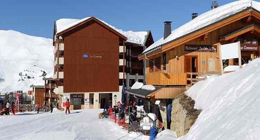 France_La-Plagne_les_Cervin_Apartments_exterior.jpg