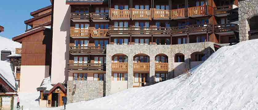 France_La-Plagne_les_Constellations_Apartments_exterior.jpg