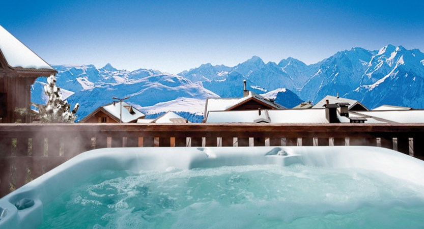 Chalet Sarenne - outdoor hot tub