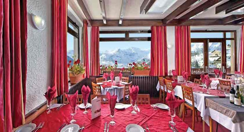Chalet Hotel Les Cimes  - dining room