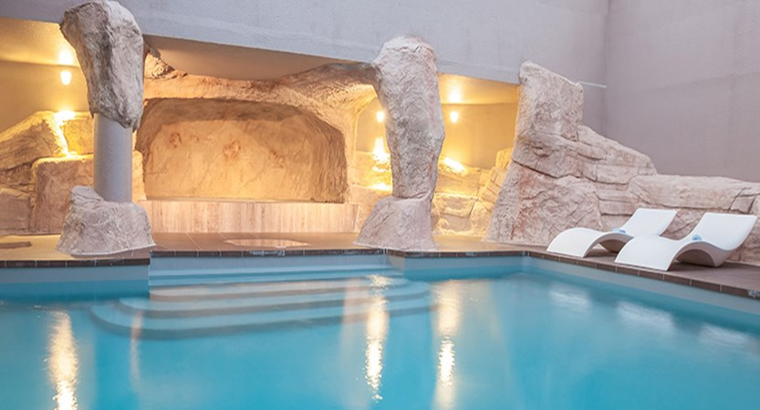 Le Royal Ours Blanc - indoor pool 2