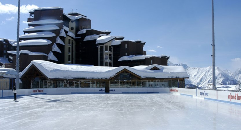 L'Ours blanc apartments - ice rink