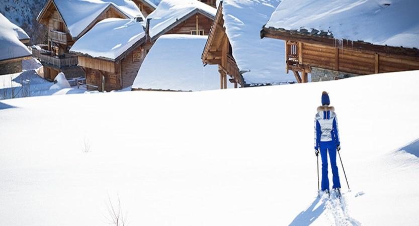 France_alpe_dhuez_lone_skier.jpg