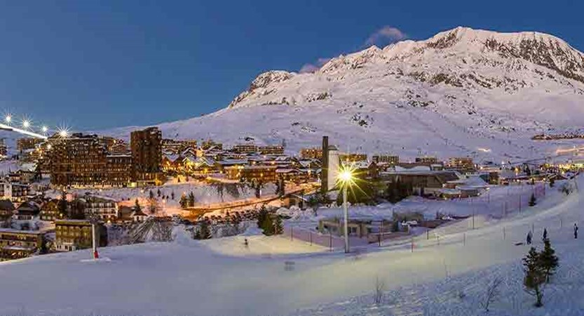 France_alpe_dhuez_resort-at-dusk.jpg