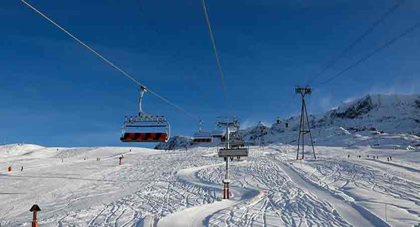 France_alpe_dhuez_ski_lift.jpg