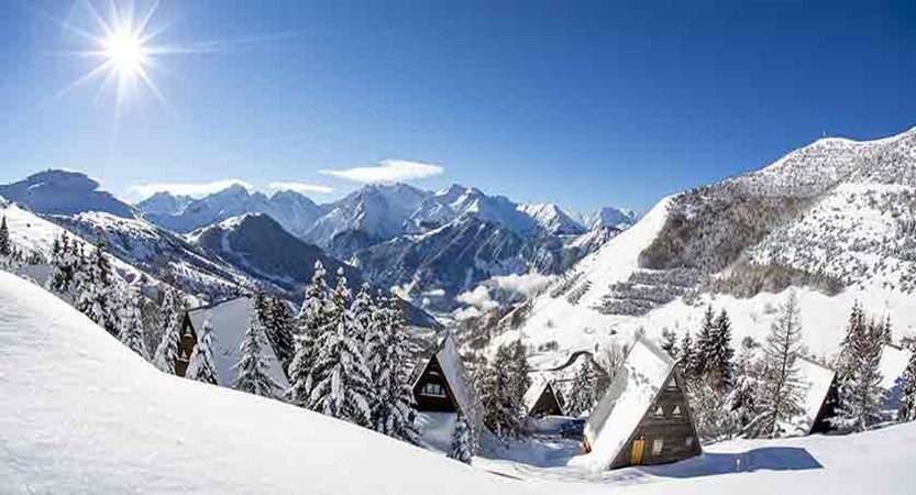France_alpe_dhuez_snowy-resort.jpg