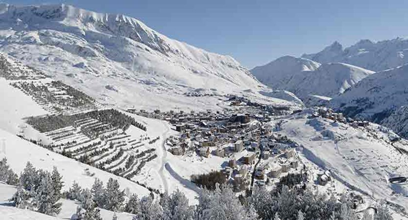 France_alpe_dhuez_view-of-the-resort3.jpg