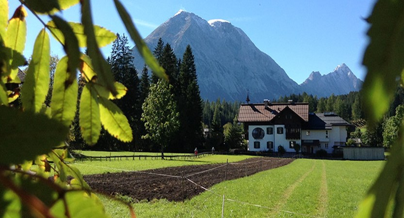 Austria_Austrian-Tyrol_Seefeld_Mountain-view.jpg
