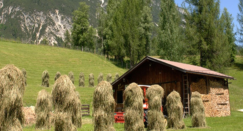 Austria_Austrian-Tyrol_Seefeld_valley-hut.jpg