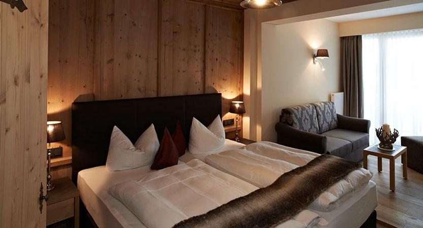 Hotel Karwendelhof, Seefeld, Austria - double bedroom.jpg
