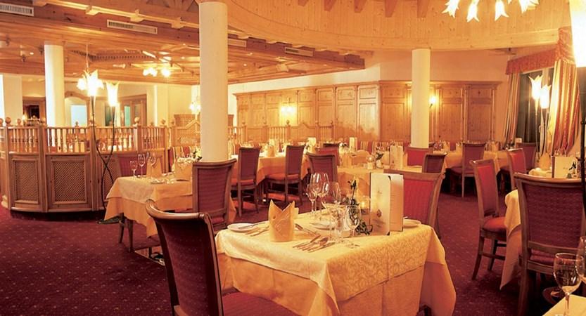 Hotel Schönruh, Seefeld, Austria - Restaurant interior.jpg