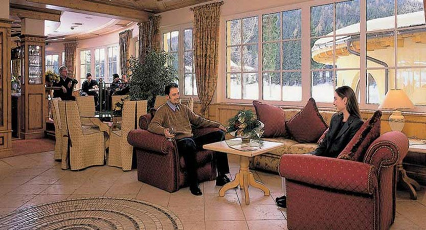 Hotel Seespitz, Seefeld, Austria - Lounge area.jpg