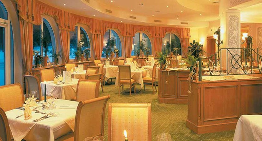 Hotel Seespitz, Seefeld, Austria - Restaurant interiors.jpg