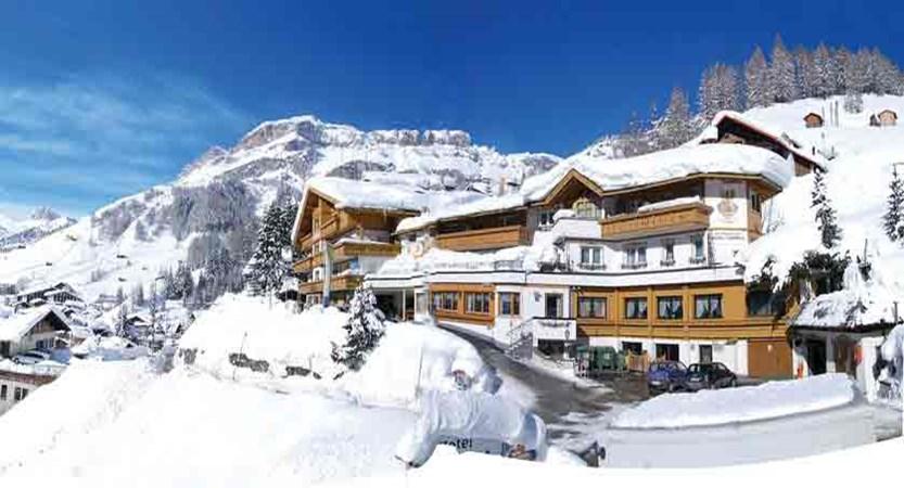 italy_dolomites-ski-area_arabba_hotel-olympia_exterior.jpg