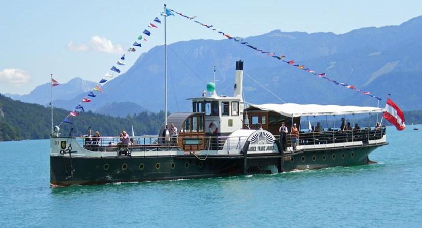Austria_Salzkammergut_St-Gilgen_Boat-lake2.jpg