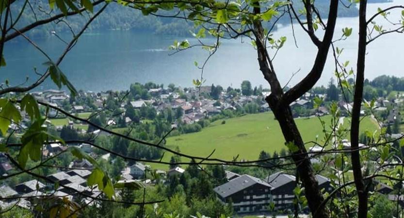 Austria_Salzkammergut_St-Gilgen_Town-lake-view2.jpg