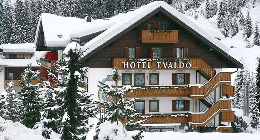 italy_dolomites-ski-area_arabba_hotel_evaldo_exterior.jpg