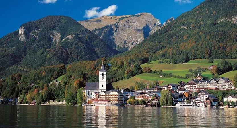St. Wolfgang, Salzkammergut, Austria - Lake view.jpg