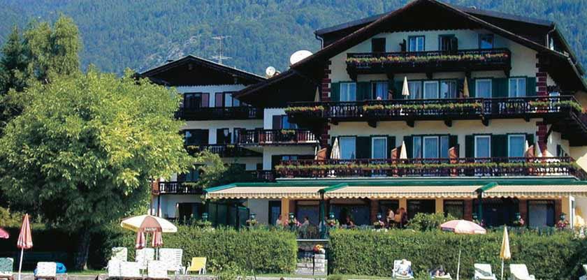 Lakeside Strandhotel Margaretha, St. Wolfgang, Salzkammergut, Austria.jpg