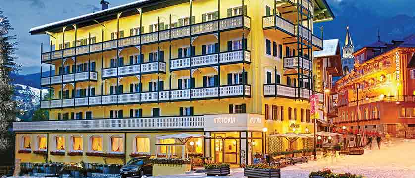 Italy_Cortina_Chalet-Hotel-Parc-Victoria-exterior.jpg