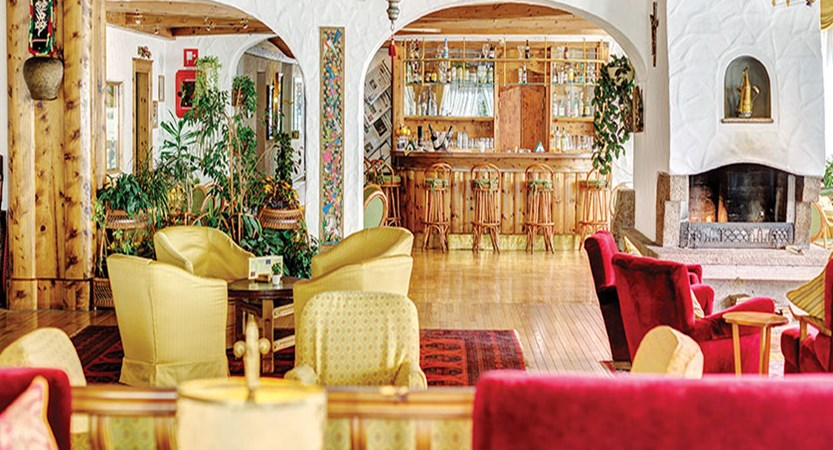 Italy_Cortina_Chalet-Hotel-Parc-Victoria-lounge.jpg