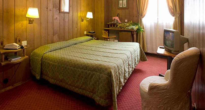 Italy_Cortina_Chalet-Hotel-Parc-Victoria-standard-room.jpg