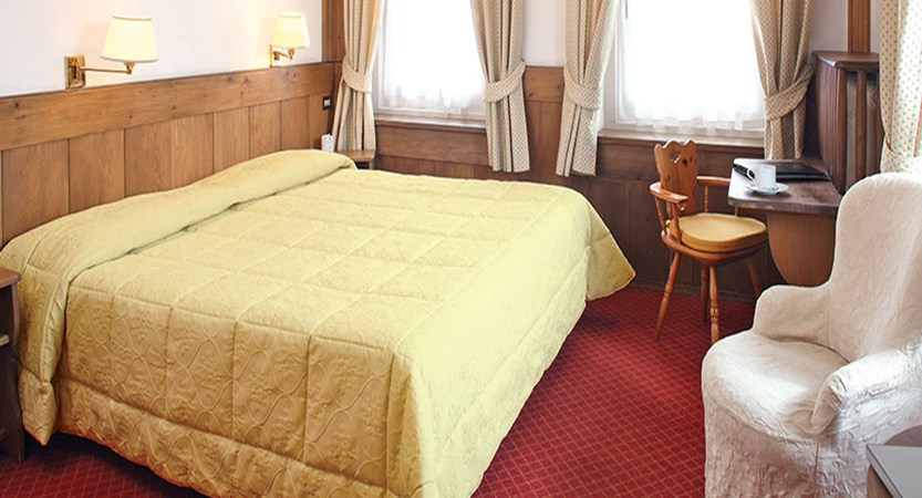 Italy_Cortina_Chalet-Hotel-Parc-Victoria-standard-room3.jpg