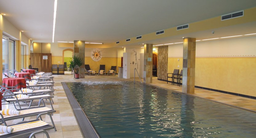 Hotel Harfenwirt, Niederau, The Wildschönau Valley, Austria - Indoor pool area.jpg