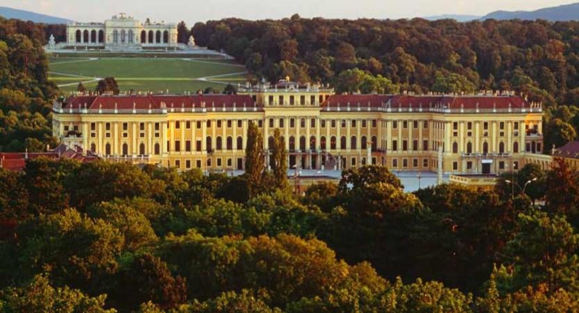Vienna, Austria - Schoenbrunn palace.jpg