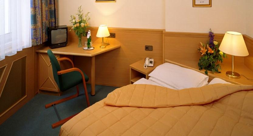 Hotel Beethoven, Vienna, Austria - Austrian twin Bedroom.jpg