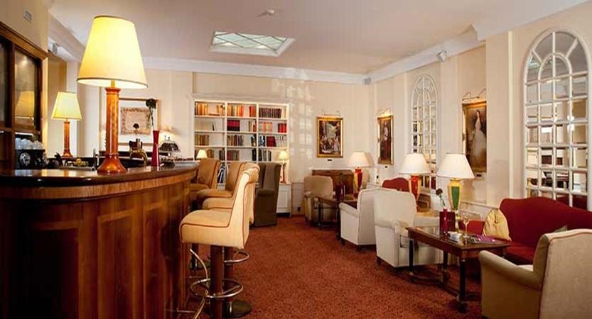 Hotel Kaiserhof, Vienna, Austria - bar and lounge.jpg