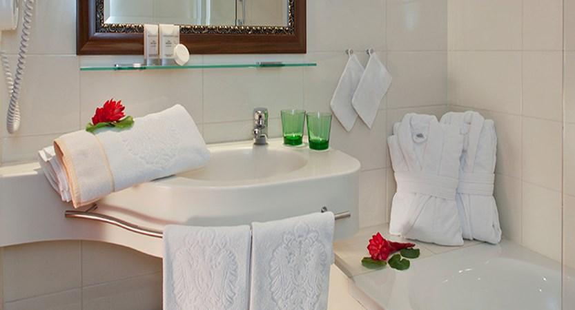 Hotel Kaiserhof, Vienna, Austria - classic room bathroom.jpg