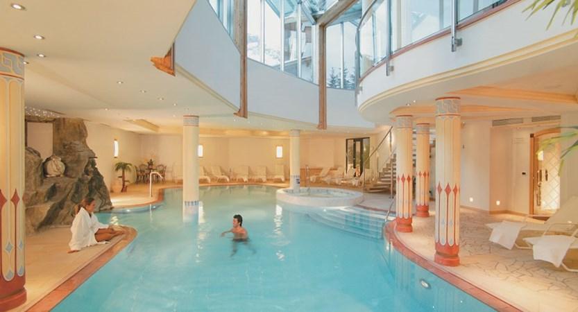 italy_dolomites_corvara_hotel-col-alto_outdoor-pool.jpg