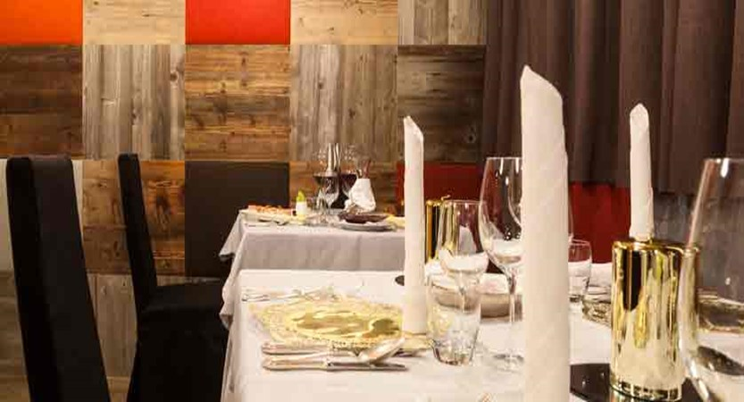 italy_dolomites_corvara_hotel-col-alto_restaurant.jpg