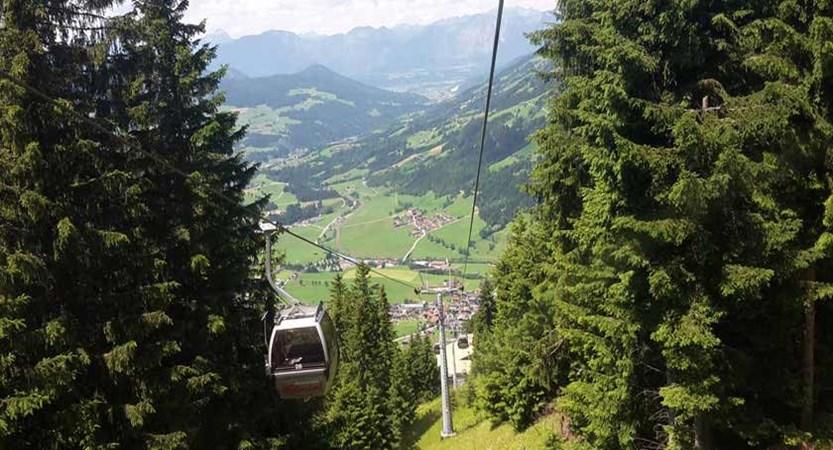 Austria_Austrian-Tyrol_Westendorf_Cable-car.jpg