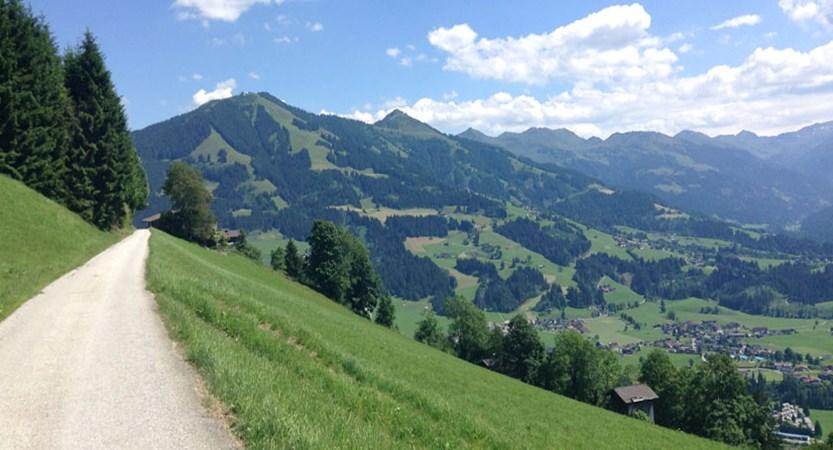 Austria_Austrian-Tyrol_Westendorf_Mountain-path.jpg