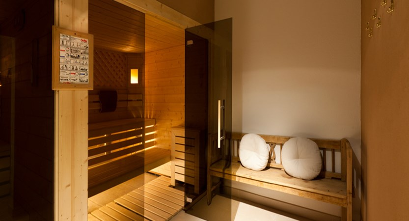 italy_dolomites_corvara_hotel-table_sauna.jpg