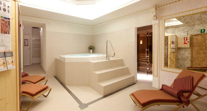 italy_dolomites_corvara_hotel-table_sauna2.jpg
