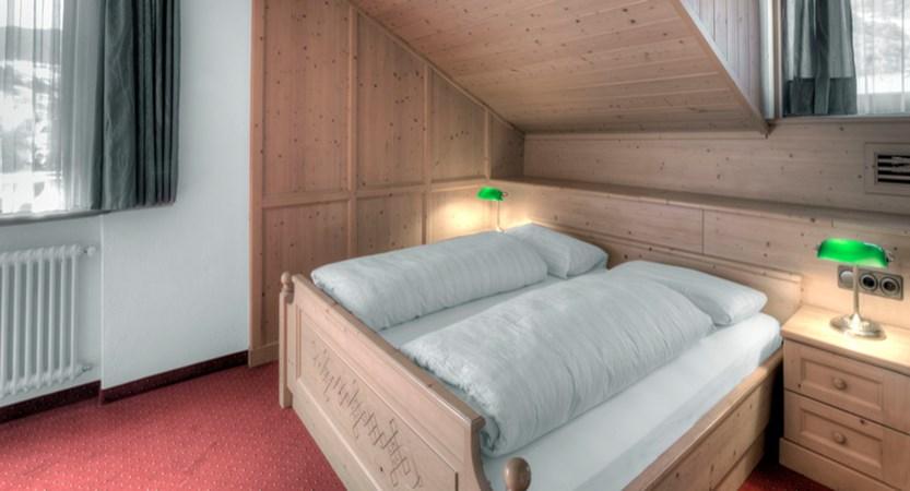italy_dolomites_corvara_garni-bracun_bedroom2.jpg