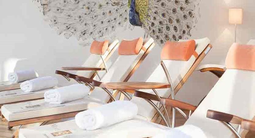 italy_dolomites_kronplatz_hotel-monte-sella_relaxation-loungers.jpg
