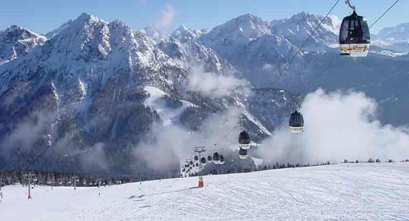 Italy_The-Dolomites-Ski-Area_Kronplatz_Cable-cars.jpg
